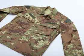 Uniform camouflage planted façade of the Italian army, military ordinance