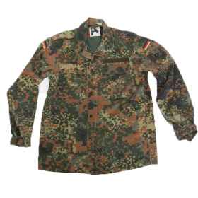 Shirt man German military flecktarn pockets original buttons and zip