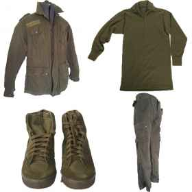 Full jacket and pants, green sneakers, and mock the Italian army